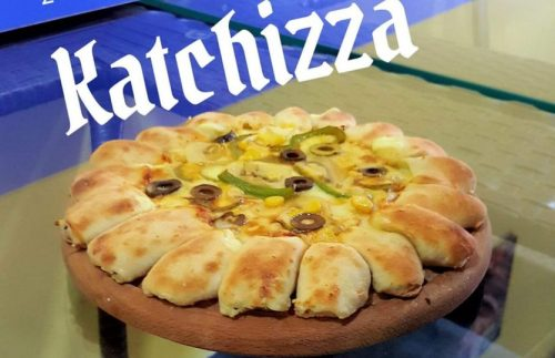 كاتشيتزا بيتزا محشية الأطراف